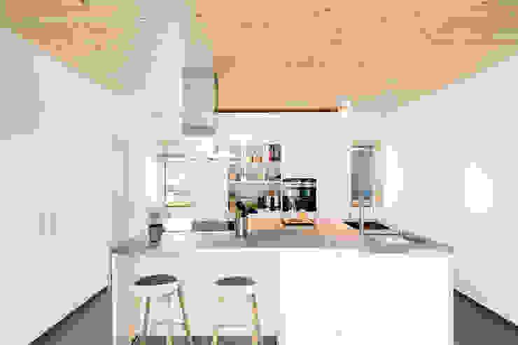 Kitchen by sebastian kolm architekturfotografie