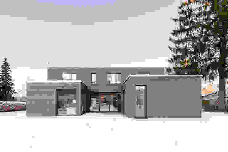 wohnhaus b Moderne Häuser von sebastian kolm architekturfotografie Modern Holz Holznachbildung