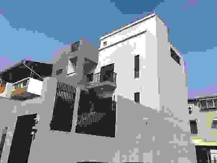 Modern home by 勝暉建築工程行 Modern