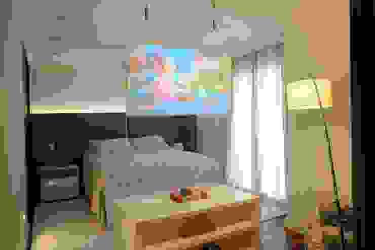 Camila Giongo Arquitetas Associadas - Decoração de Interiores ME Modern style bedroom Glass Beige