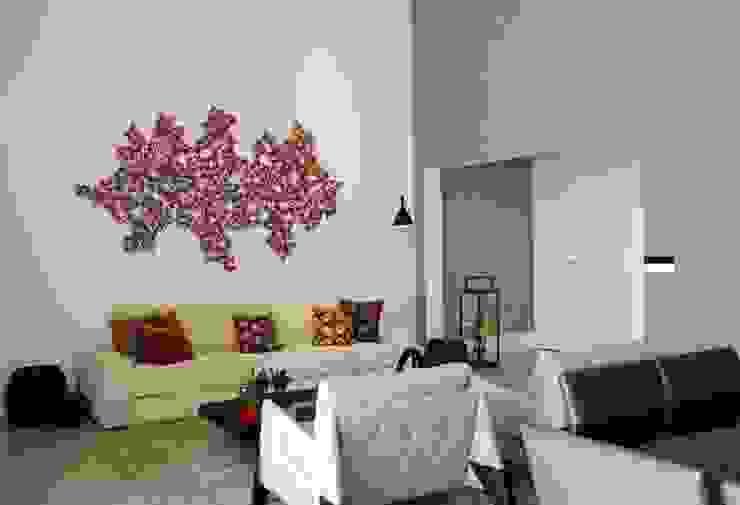 Camila Giongo Arquitetas Associadas - Decoração de Interiores ME Modern living room Stone Grey