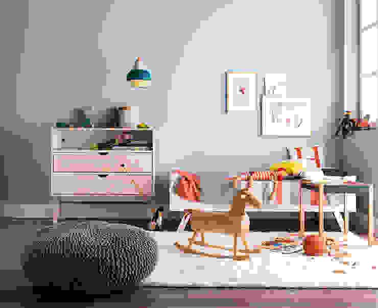 Nursery/kid's room by SCHÖNER WOHNEN-FARBE, Modern