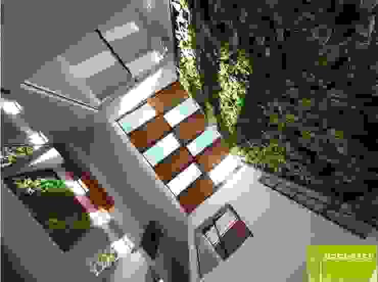 Sala Doble Altura y Muro Verde de Lobato Arquitectura