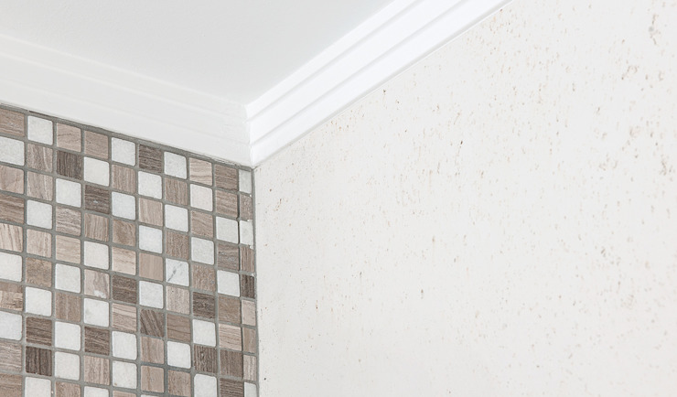 FARBCOMPANY Classic style bathroom Brown