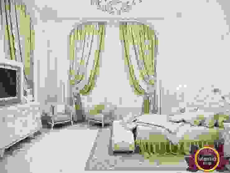 Camera da letto in stile  di Luxury Antonovich Design