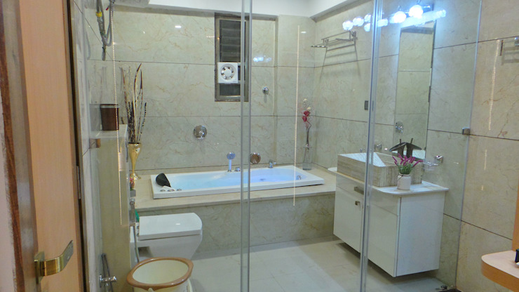 Shadab Anwari & Associates. Modern style bathrooms