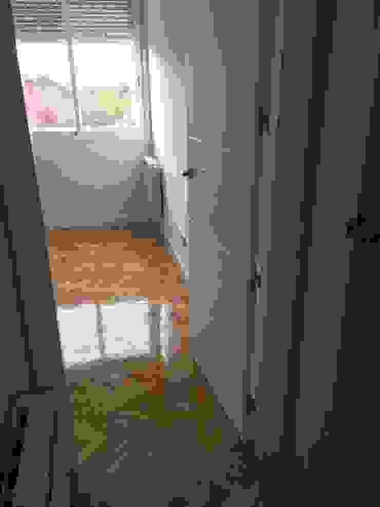 Renovacion de puertas Grupo Procelco, s.l. Dormitorios de estilo moderno
