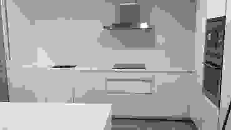 Nueva cocina marca SANTOS Grupo Procelco, s.l. Cocinas de estilo moderno