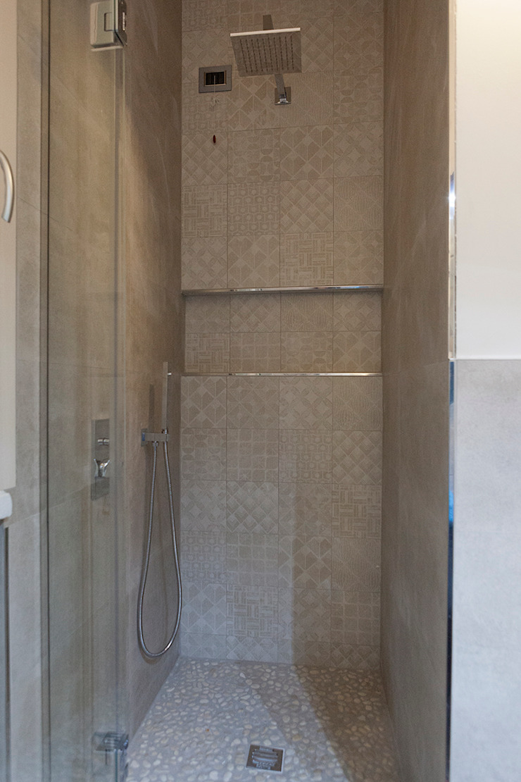 Salle de bain moderne par Laura Galli Architetto Moderne