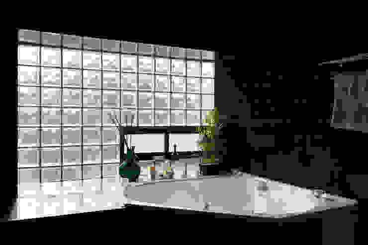 Casa Rosales Quijada Baños de estilo moderno de GITC Moderno