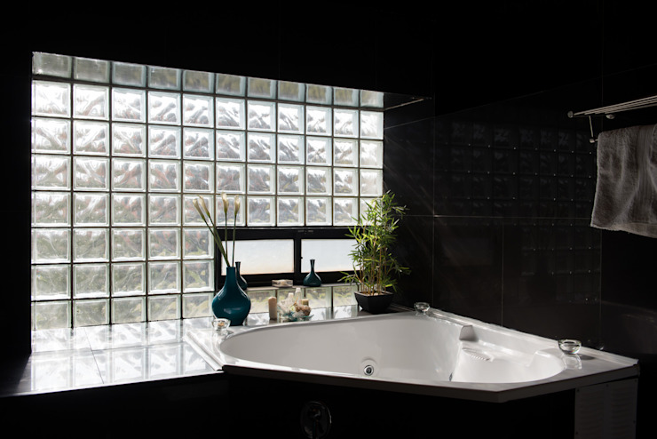 Modern style bathrooms by GITC Modern