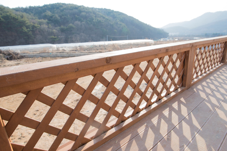 꿈애하우징 Mediterranean style balcony, veranda & terrace