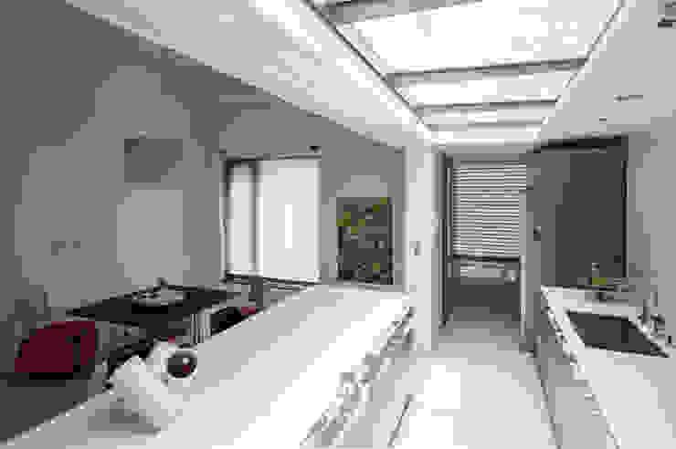 Esszimmer von 有容藝室內裝修設計有限公司