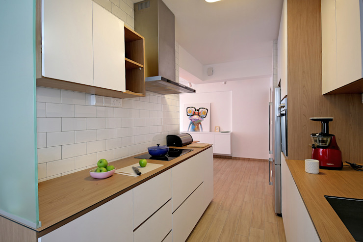 HDB Blk 429A Yishun Scandinavian style kitchen by Renozone Interior design house Scandinavian