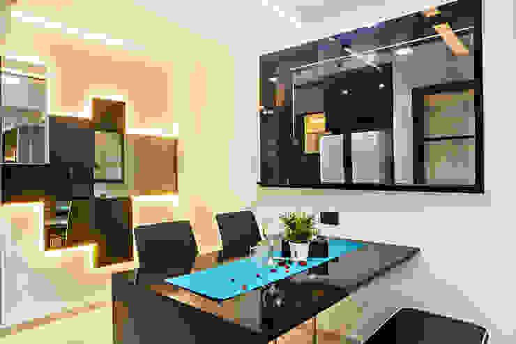 HDB Blk 293B Compassvale Crescent Modern dining room by Renozone Interior design house Modern