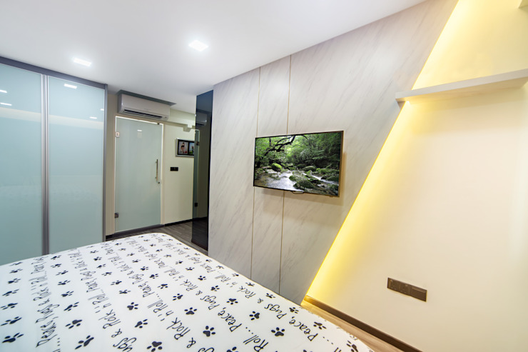 HDB Blk 293B Compassvale Crescent Modern style bedroom by Renozone Interior design house Modern
