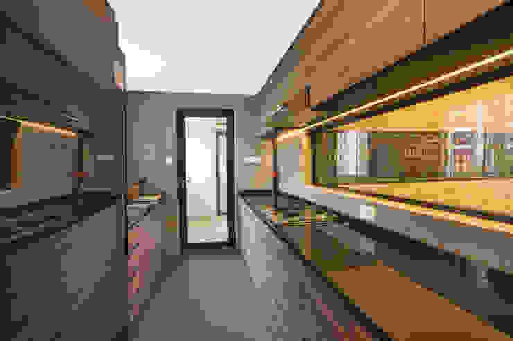 30 Upper Serangoon View Scandinavian style kitchen by Renozone Interior design house Scandinavian