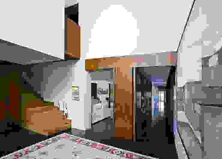 Vestibulo Grupo Procelco, s.l. Pasillos, vestíbulos y escaleras de estilo moderno