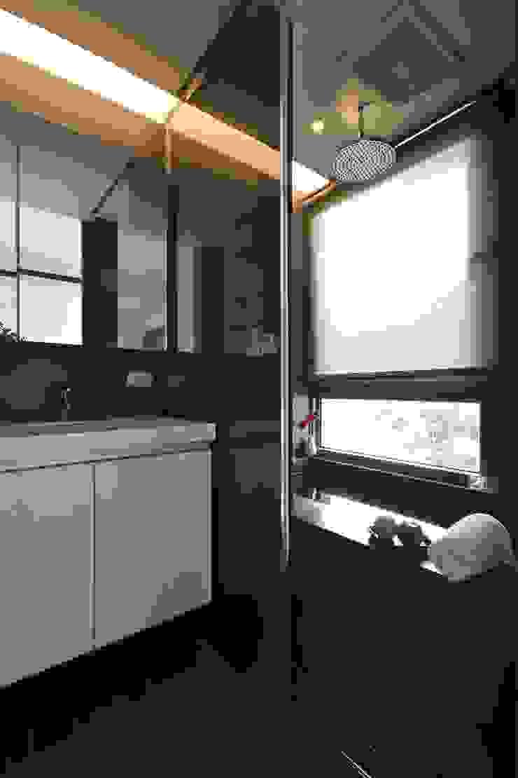 木柵林 現代廚房設計點子、靈感&圖片 根據 觀林設計 現代風