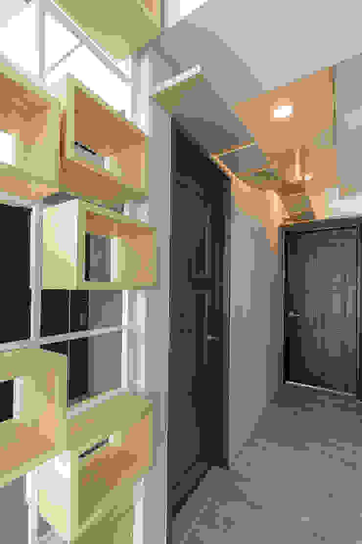 Modern windows & doors by 觀林設計 Modern