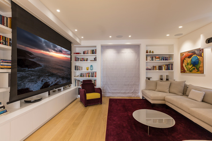 Cinema room by Studio Mark Ruthven Modern