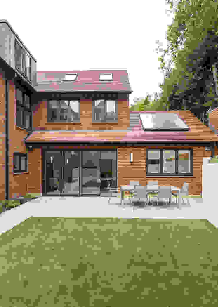 Rear elevation Modern Houses by Studio Mark Ruthven Modern