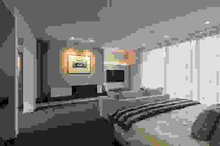 Master bedroom โดย Studio Mark Ruthven โมเดิร์น