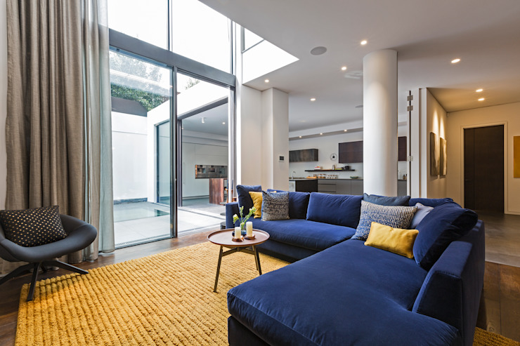 Living room โดย Studio Mark Ruthven โมเดิร์น