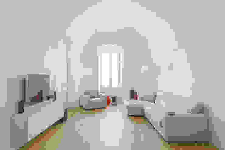 Salon de style  par salvatore cannito architetto, Moderne