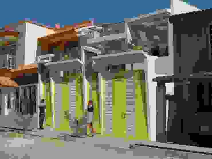 Nowoczesne domy od Lobato Arquitectura Nowoczesny