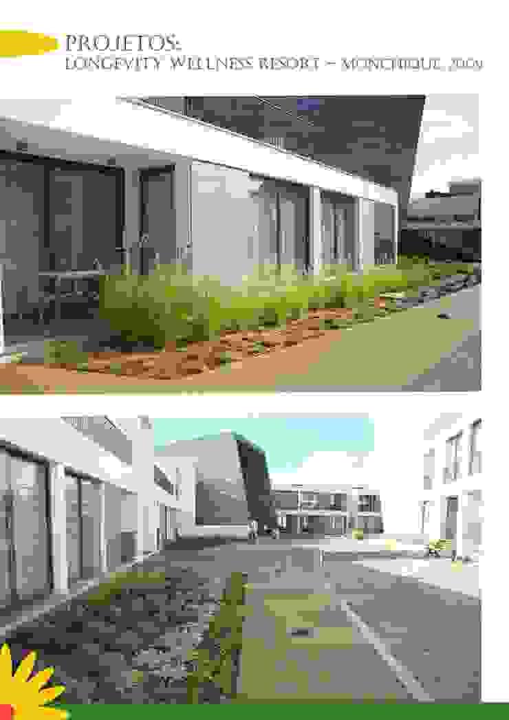 Modern hotels by Ecossistemas Modern