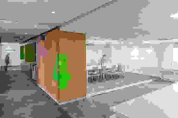 Nueva sede de Tecnoconsult de CENTRAL ARQUITECTURA Moderno
