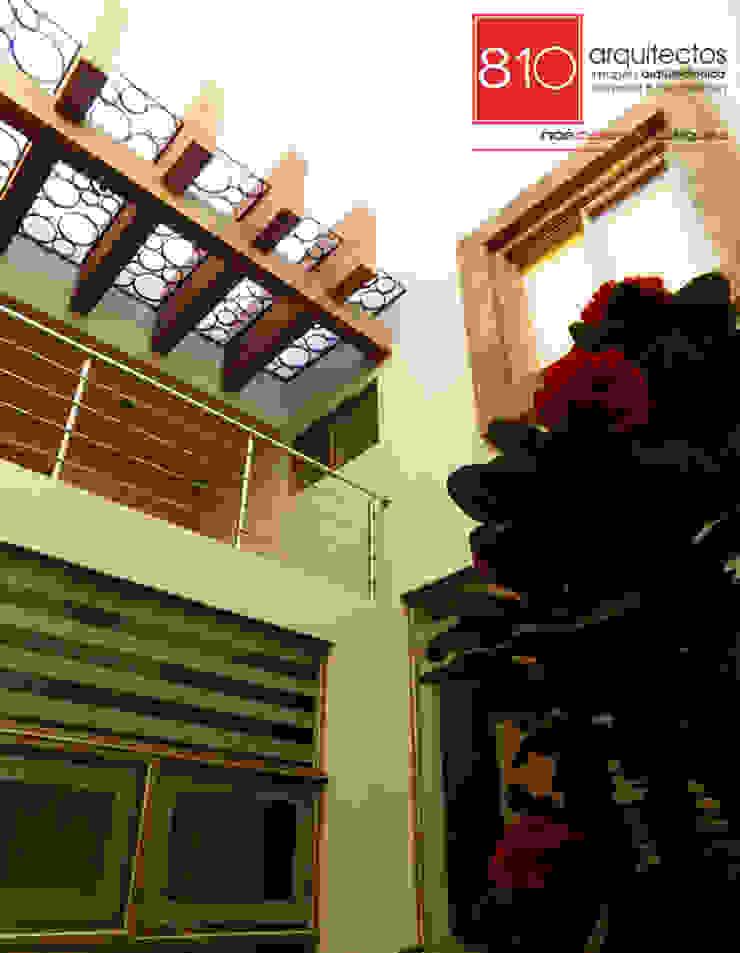 Casa Habitación y Notaria Parroquial Balcones y terrazas modernos de 810 Arquitectos Moderno