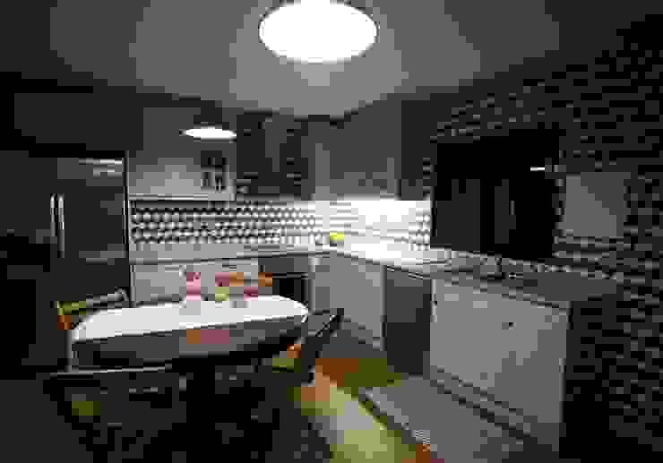 カントリーデザインの キッチン の Cosquel, Sociedade de Construções Lda カントリー