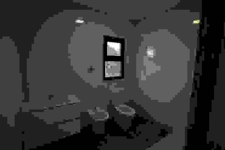 Casas pré fabricadas Casas de banho campestres por Cosquel, Sociedade de Construções Lda Campestre