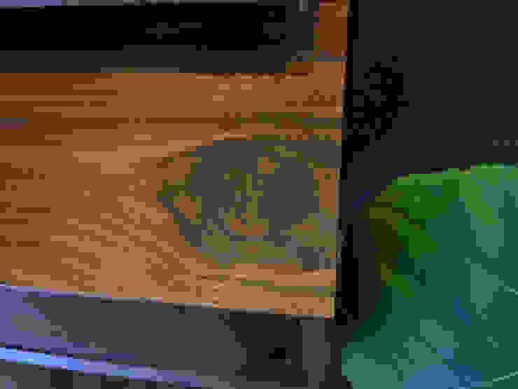 walnut credenza: 데이너퍼니쳐의 현대 ,모던 도자기
