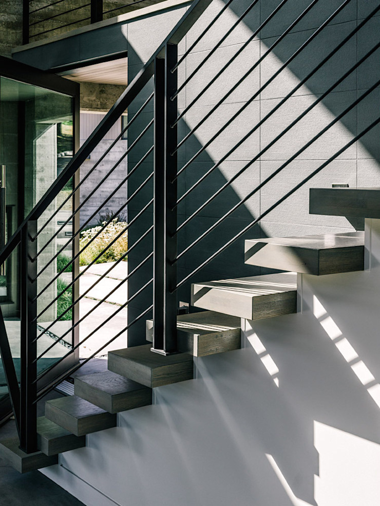 Butterfly House Modern Corridor, Hallway and Staircase by Feldman Architecture Modern