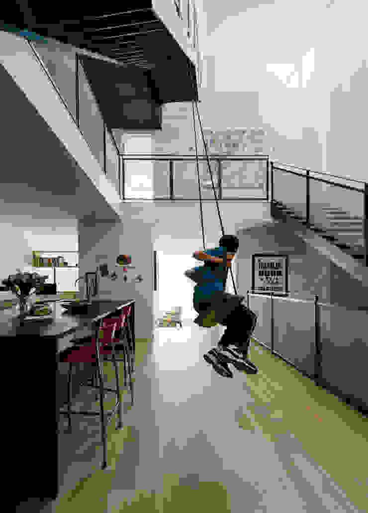 Fitty Wun Modern Corridor, Hallway and Staircase by Feldman Architecture Modern