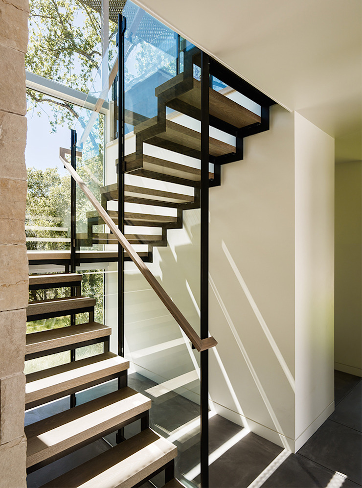Ranch O|H Modern Corridor, Hallway and Staircase by Feldman Architecture Modern