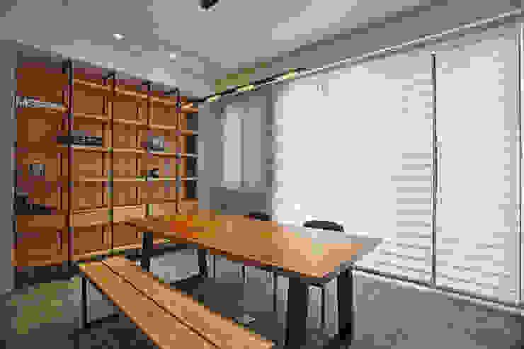台南 謝宅 根據 直譯空間設計有限公司 現代風