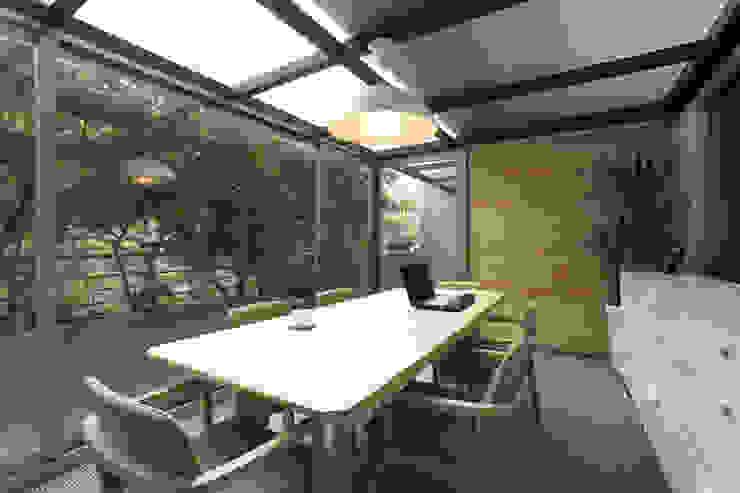 Classic style study/office by 直譯空間設計有限公司 Classic
