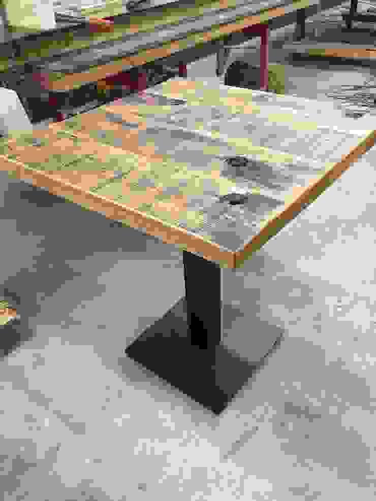 Industrial style dining room by WE-Maatdesign Industrial Wood Wood effect