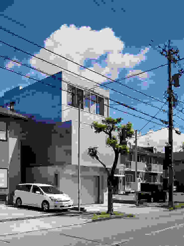 新保本・HOUSE・K(SHINBOHON・HOUSE・K) 吉田裕一建築設計事務所 モダンな 家 鉄/鋼 メタリック/シルバー