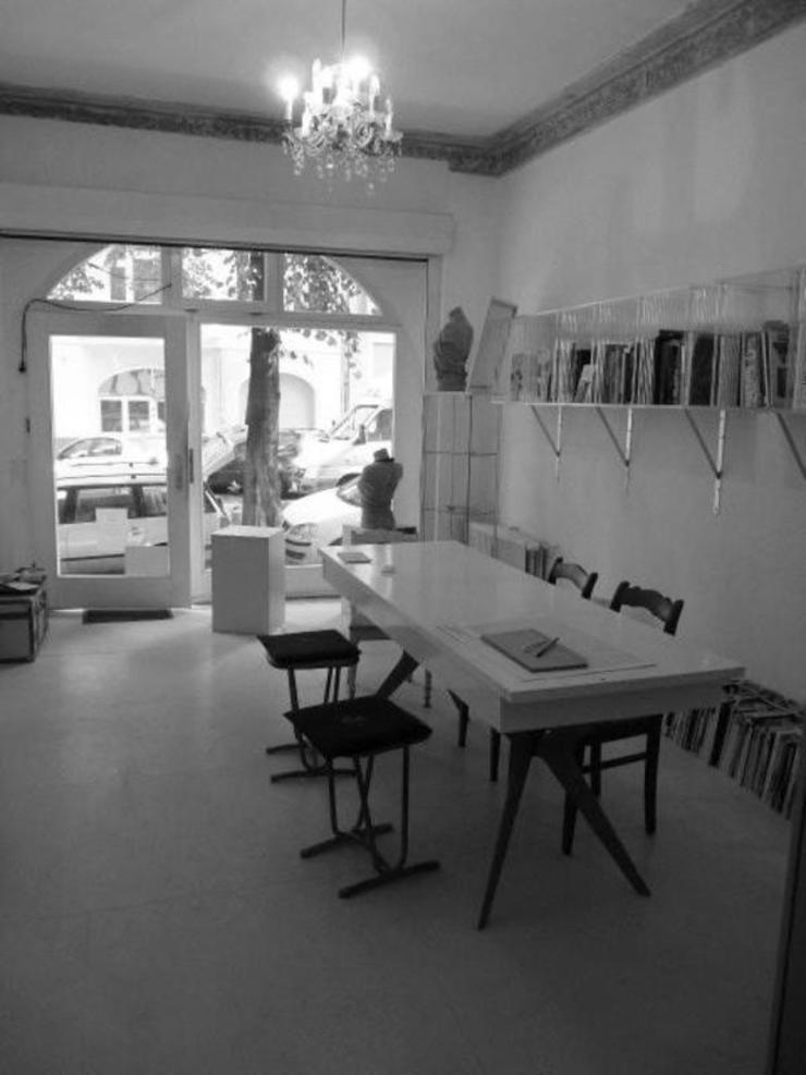Cocooninberlin Minimalist media room