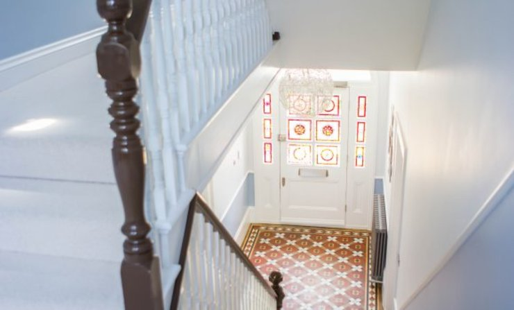 3 Hilbury Road Couloir, entrée, escaliers modernes par Diamond Constructions Ltd Moderne