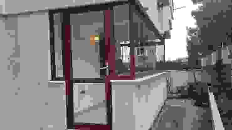 homify Puertas y ventanas modernas