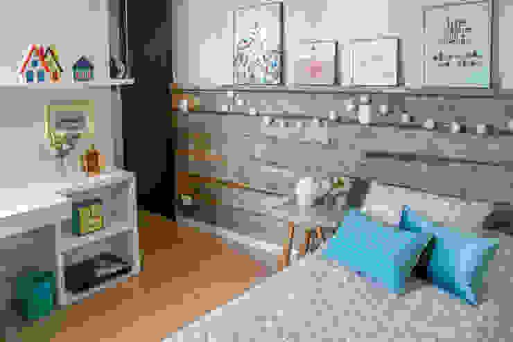 Danyela Corrêa Arquitetura Modern Bedroom Wood Wood effect