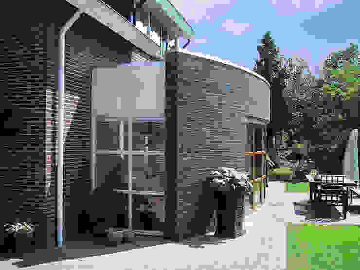 UITBREIDING MET GEKROMDE GLASGEVEL Moderne studeerkamer van Gradussen Bouwkunst & Interieurarchitectuur BNA BNI Modern