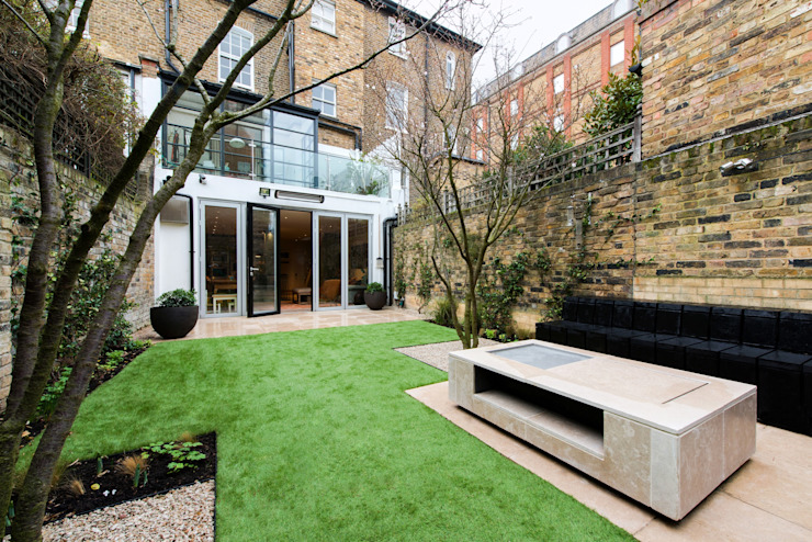 Fulham Road Modern garden by Orchestrate Design and Build Ltd. Modern