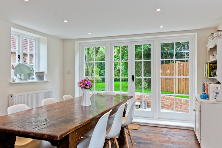 Japonica Cottage, Surrey :  Kitchen by Orchestrate Design and Build Ltd.,